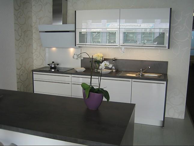 nobilia musterk che lack hochglanz wei ausstellungsk che in von. Black Bedroom Furniture Sets. Home Design Ideas