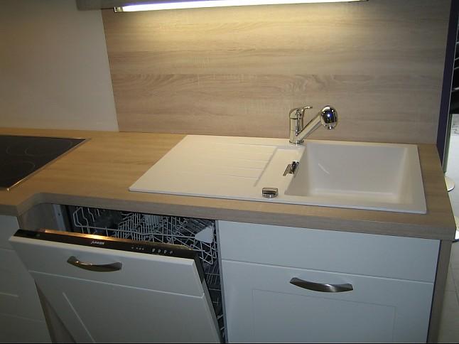 nobilia musterk che lack wei matt ausstellungsk che in von. Black Bedroom Furniture Sets. Home Design Ideas