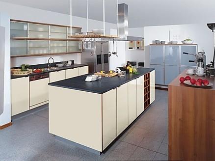 Klassische und moderne Küchen in der Ausstellung von WM Küchen Bebra