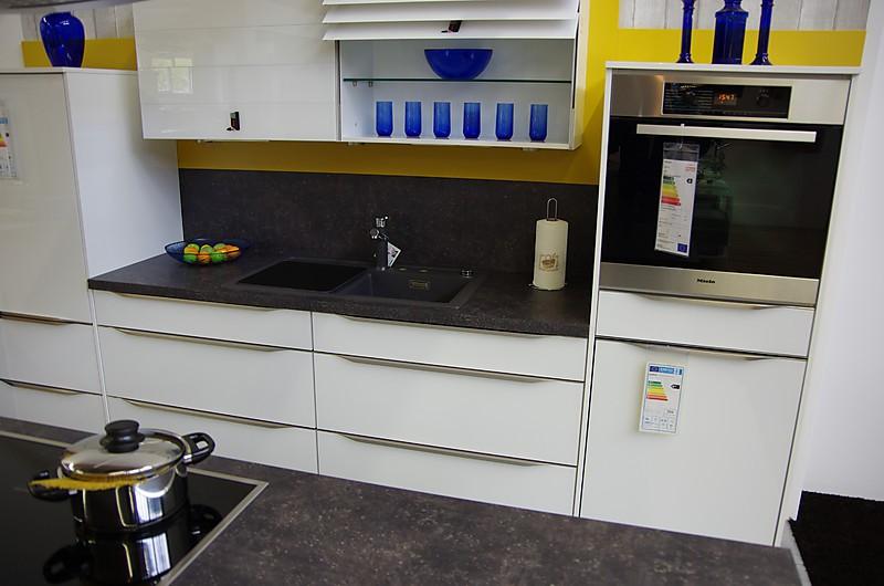 nobilia musterk che nobilia ausstellungsk che 149 vetra farbe 951 glas wei hochglanz. Black Bedroom Furniture Sets. Home Design Ideas