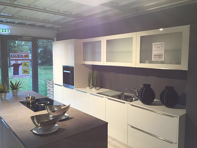 ap ro k chen musterk che hochglanz ausstellungsk che in ensdorf von saar k chen. Black Bedroom Furniture Sets. Home Design Ideas