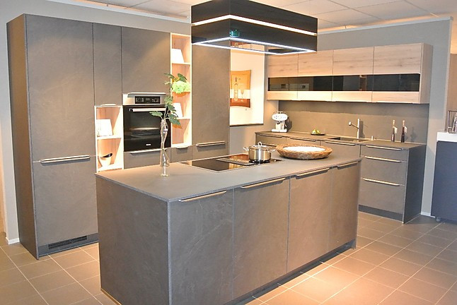 nobilia musterk che musterk che in neuem design in xl h he und slim line arbeitsplatte. Black Bedroom Furniture Sets. Home Design Ideas