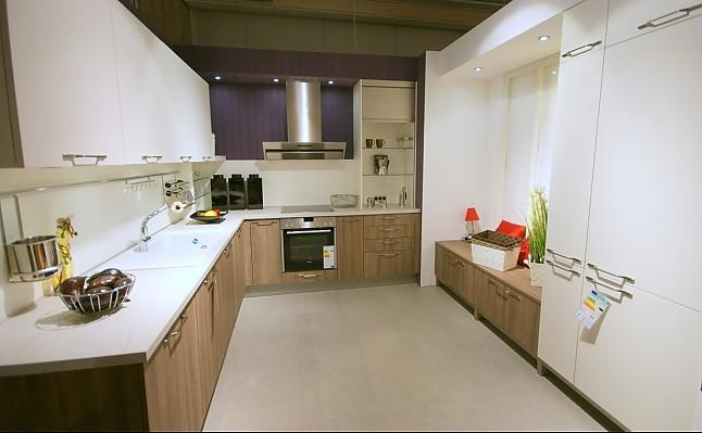 global k chen musterk che moderne einbauk che ausstellungsk che in bad s ckingen von dick. Black Bedroom Furniture Sets. Home Design Ideas
