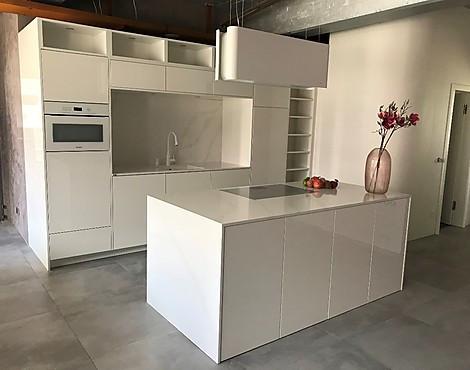 Küchen modern u-form hochglanz  Musterküchen-Börse: Küchen mit Hochglanzfronten im Abverkauf