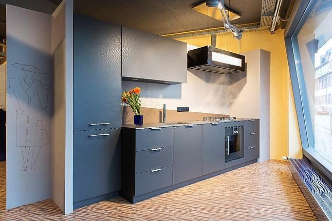 allmilmö-Musterküche Moderne Küchenzeile mit hochwertiger ...