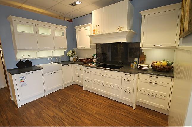 hausmarke musterk che gem tliche k che im landhaus stil ausstellungsk che in braunschweig von. Black Bedroom Furniture Sets. Home Design Ideas