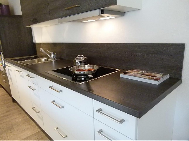 Nobilia-Musterküche Küche SPEED: Ausstellungsküche in von