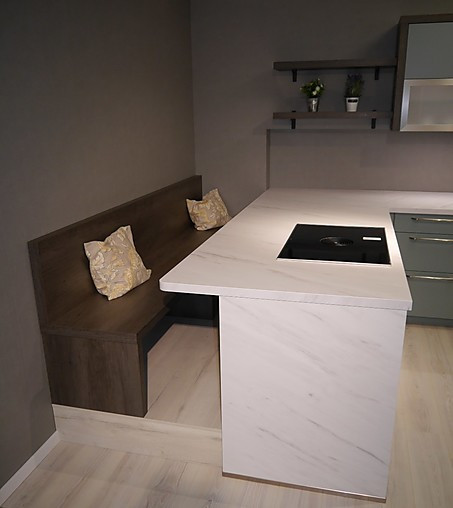 Selektion D-Musterküche U-Küche mit Sitzbank und Durchgang ...
