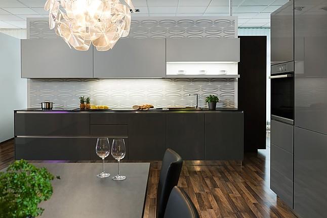 h cker musterk che strahlendes und klares design ausstellungsk che in freising von hartl. Black Bedroom Furniture Sets. Home Design Ideas