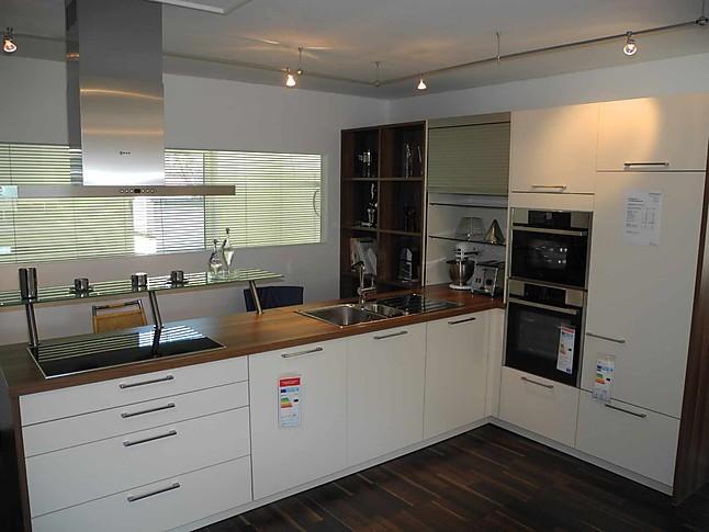 Küche T Form : inpura musterk che wohnliche k che in t form mit glastheke ~ Michelbontemps.com Haus und Dekorationen
