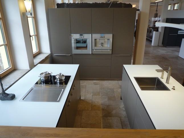 bulthaup musterk che bulthaup b3 mattlack lehm. Black Bedroom Furniture Sets. Home Design Ideas