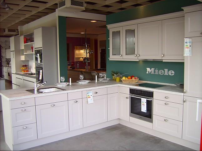 Moderne landhausküche nobilia  Nobilia-Musterküche Moderne Landhausküche: Ausstellungsküche in von