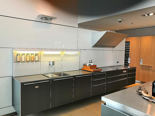 bulthaup-Musterküche Küche wandhängend: Ausstellungsküche in ...