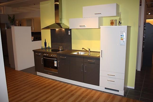 impuls musterk che einbauk chenzeile in hochglanz 300cm ideal f r einsteiger ausstellungsk che. Black Bedroom Furniture Sets. Home Design Ideas