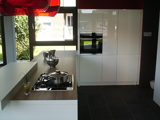 Nolte küchen grifflos weiß  Nolte-Musterküche Nolte Musterküche: Ausstellungsküche in ...