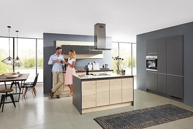 Einbauküche mit Insel inkl. E-Geräte *Lieferung und Montage