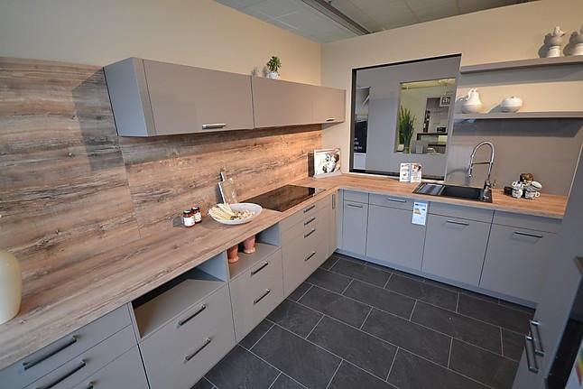 Küche 3000 häcker musterküche vollausgestattete l küche mit zusätzlichen
