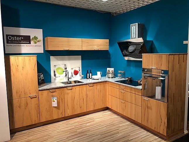 L-Küche mit Granitarbeitsplatte