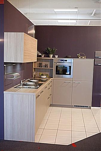 leicht musterk che leicht ausstellungsk che in hof von k chentreff friedrich e k. Black Bedroom Furniture Sets. Home Design Ideas