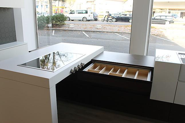 zeyko musterk che zeyko az iii 05 nb fu q ausstellungsk che und sideboard mit klappoberschr nken. Black Bedroom Furniture Sets. Home Design Ideas