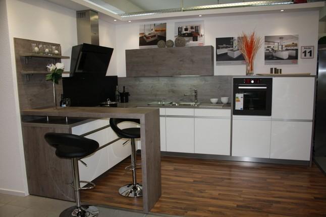 rempp musterk che k che 11 matt lack wei griffleiste. Black Bedroom Furniture Sets. Home Design Ideas