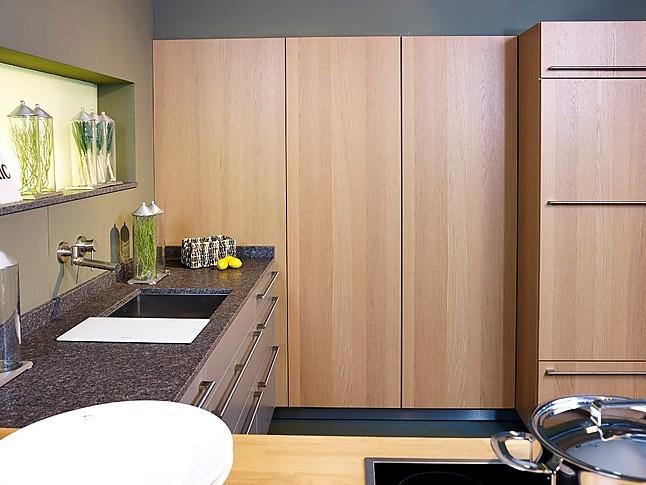 siematic musterk che moderne l k che mit integrierter theke ausstellungsk che in nordhorn von. Black Bedroom Furniture Sets. Home Design Ideas
