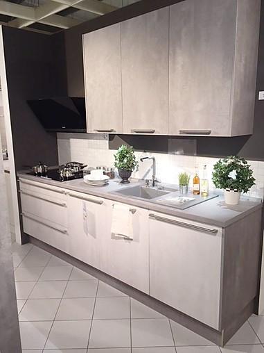 Häcker-Musterküche moderne kleine Küche mit Geräten ...