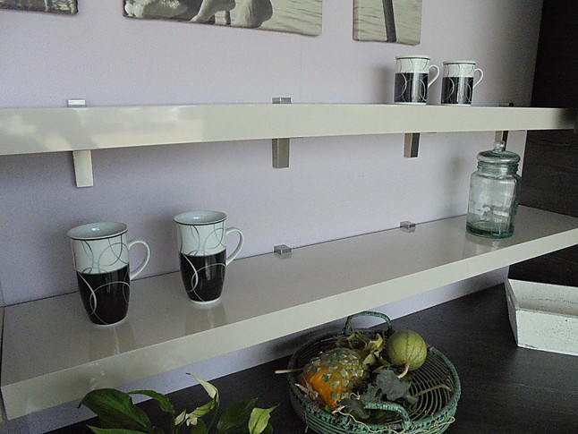 nolte musterk che moderne lack ausstellungsk che mit. Black Bedroom Furniture Sets. Home Design Ideas