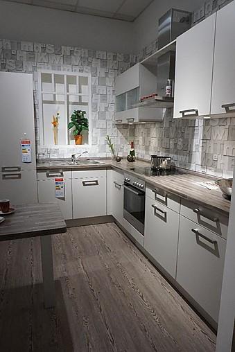 burger musterk che kleine l k che inkl ger te von bosch. Black Bedroom Furniture Sets. Home Design Ideas