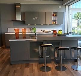 nobilia musterk che nobilia k che riva beton grau ausstellungsk che in d sseldorf von. Black Bedroom Furniture Sets. Home Design Ideas
