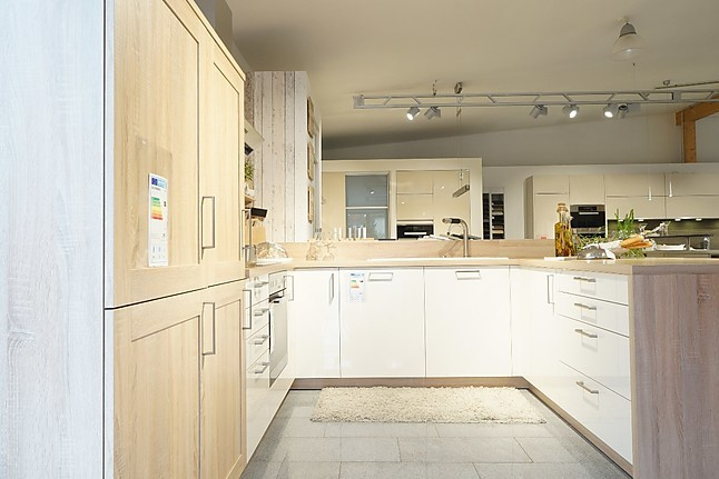 systhema musterk che einfach zum wohlf hlen ein moderner. Black Bedroom Furniture Sets. Home Design Ideas