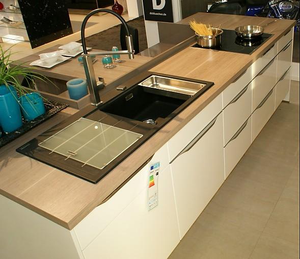 global küchen-musterküche moderne küche: ausstellungsküche in bad, Hause ideen