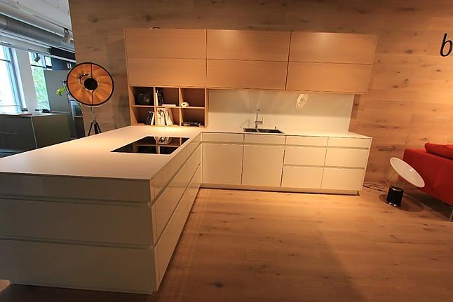 leicht musterk che exklusive leicht k che in beton wei eiche ausstellungsk che in. Black Bedroom Furniture Sets. Home Design Ideas
