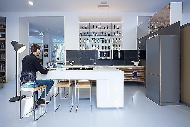 Sonstige-Musterküche plan3 küche: Ausstellungsküche in Siegen von ...