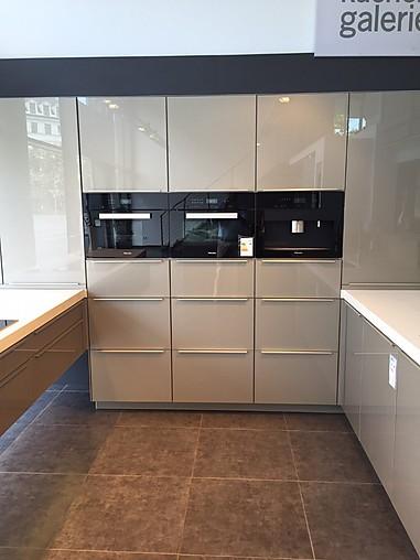 zeyko musterk che exklusive design k che mit glasfronten ausstellungsk che in m nchweiler von. Black Bedroom Furniture Sets. Home Design Ideas