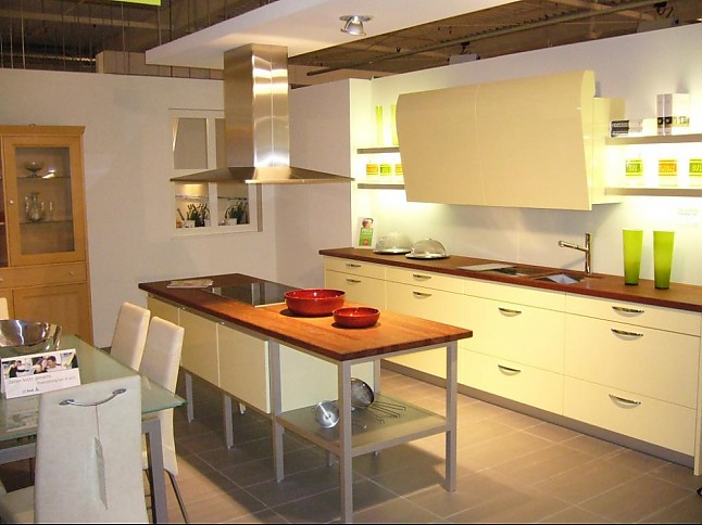 sonstige musterk che design markeneinbauk che. Black Bedroom Furniture Sets. Home Design Ideas