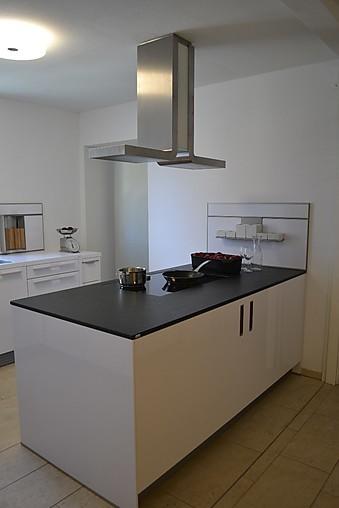 next125 musterk che winkelk che mit kochinsel ausstellungsk che in konstanz von fretz wohn und. Black Bedroom Furniture Sets. Home Design Ideas
