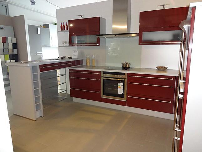 nobilia musterk che nobilia l k che in uni bordeaux rot ausstellungsk che in westhausen von der. Black Bedroom Furniture Sets. Home Design Ideas