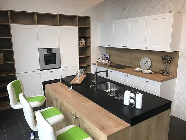 nolte musterk che koje 10 venta ausstellungsk che in von. Black Bedroom Furniture Sets. Home Design Ideas