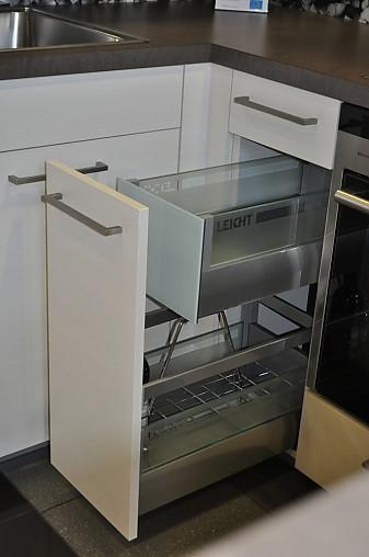 leicht musterk che moderne einbauk che zum sonderpreis ohne elektroger te zubeh r und. Black Bedroom Furniture Sets. Home Design Ideas