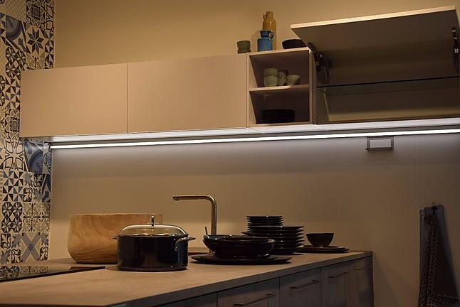 nolte musterk che moderne beton k che g form ausstellungsk che in berlin von k chenb rse berlin. Black Bedroom Furniture Sets. Home Design Ideas