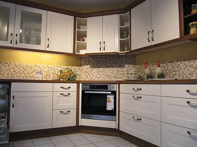 nobilia musterk che landhausk che mit miele ger ten und villeroy und boch sp le. Black Bedroom Furniture Sets. Home Design Ideas