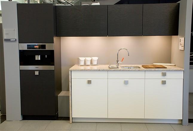 leicht musterk che moderne teek che zum sonderpreis ohne. Black Bedroom Furniture Sets. Home Design Ideas