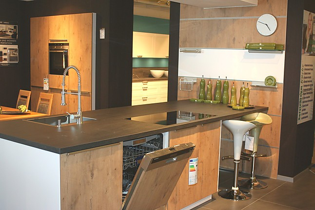 Bauformat   Wild Oak Nachbildung Korpus Weiß Modell Boston Moderne Küche  Mit Kochinsel