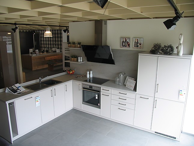 Schüller küchen landhausstil schüller musterküche moderne landhausstil küche ausstellungsküche