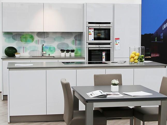 Bauformat musterkuche zeitlose eleganz bauformat kuche for Neff küchen