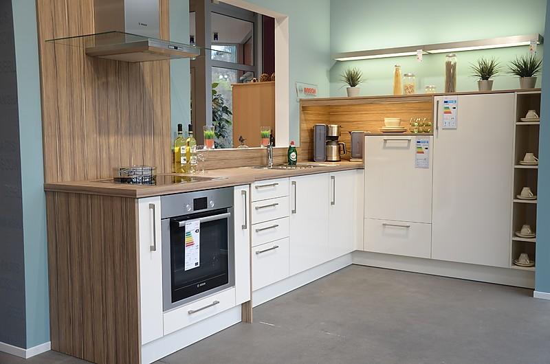 h cker musterk che sch ne l k che in farbe magnolie. Black Bedroom Furniture Sets. Home Design Ideas