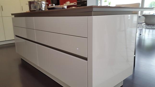 next125 musterk che hochmoderne designk che wei hg lackiert ausstellungsk che in von. Black Bedroom Furniture Sets. Home Design Ideas