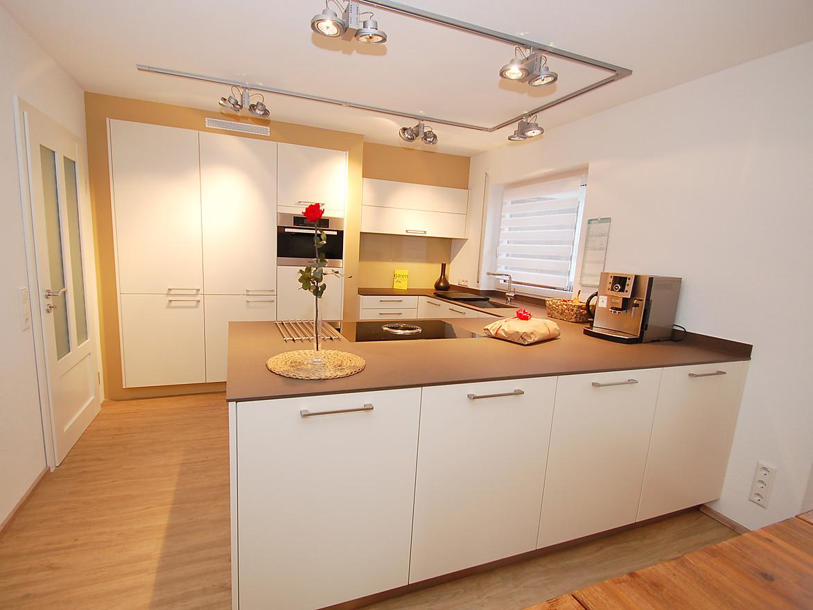 Quartzstein 18mm, Bora Basic Hochschränke eingebaut - Küche von