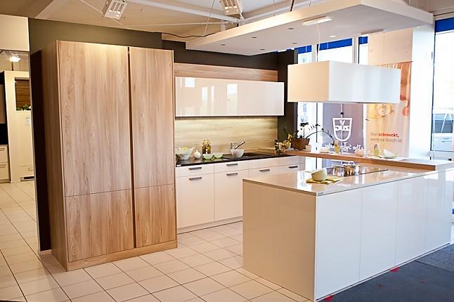 leicht musterk che leicht synthia luna ausstellungsk che in hof von k chentreff friedrich e k. Black Bedroom Furniture Sets. Home Design Ideas